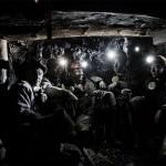 Equipe de mineurs de charbon au fond de la mine. Photo Youry Bilak.