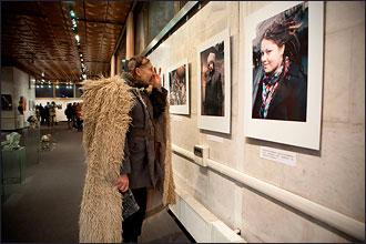 """Exposition de photos de Youry Bilak """"Maïdan, histoire du future"""" à la maison de l'Ukraine à Kiev. 1"""