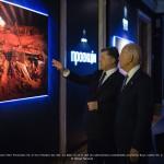 Le président Ukrainien Petro Porochenko, le Vice président des USA Joe Biden et le chef de l'administration présidentielle ukrainienne Borys Lozhkin à l'expotion de Youry Bilak Projectio le 7 décembre 2015